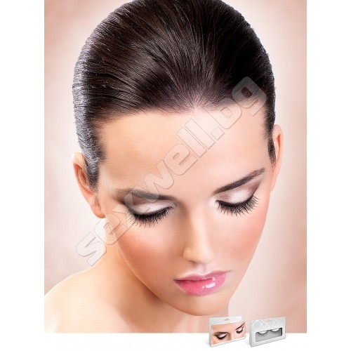 BLACK DELUXE EYELASHES 659