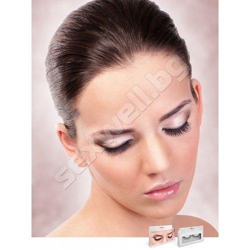 BLACK DELUXE EYELASHES 681